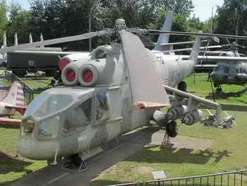 Фотообзор Mil Mi-24A Hind-A Walk Around