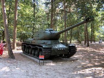 IS-2 Walk Around