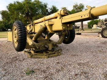 XM102 105mm Howitzer Walk Around