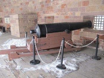 US 32 lbs. Cannon on Coast Defense Mount Walk Around