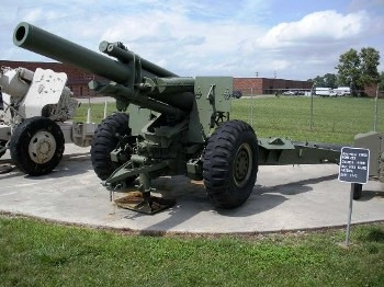US 155mm M1A1 Howitzer on the M6A2 Mount Walk Around