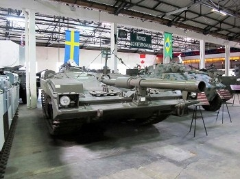 Stridsvagn 103 S-Tank Walk Around