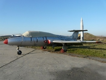 L-29 Delfin Walk Around