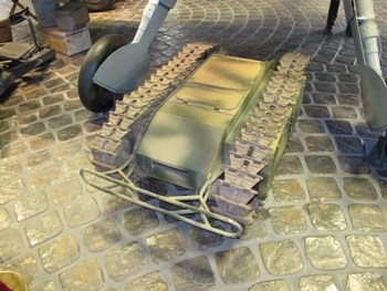 SdKfz 302 Leichter Ladungstrager Goliath Walk Around