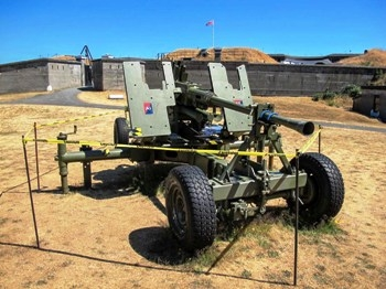 British Q.F. 40 mm Mk.1 Bofors Anti-Aircraft Gun Walk Around