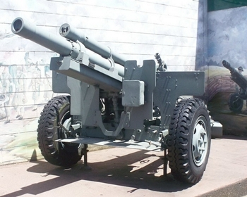 M2A1 105mm Howitzer Walk Around