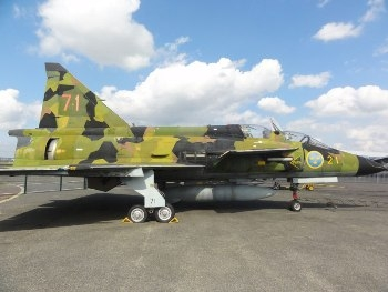 Saab Viggen trainer SK-37 Walk Around
