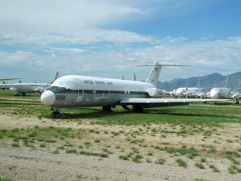 McDonnell-Douglas C-9B Skytrain II Walk Around