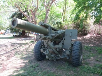 US 155mm M114A2 Howitser on M1A1 Carriage Walk Around