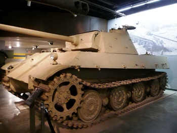 PzKpfw V Panther II Walk Around