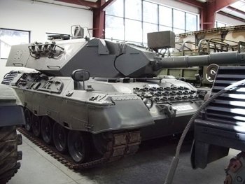 Leopard 1A4 Walk Around