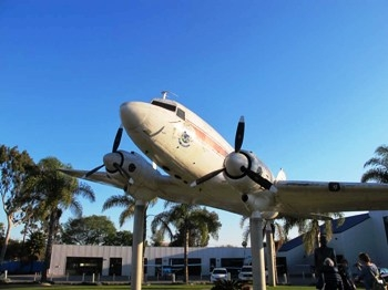Douglas DC-3 Walk Around
