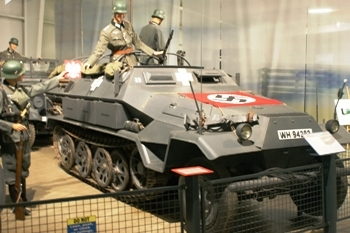 Sd.Kfz.251/6 Ausf.A Half-Track Walk Around