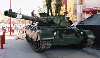 Canadian Leopard C2 [Walk Around]